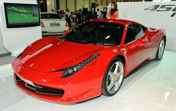 Ferrari 458 Italia - Teerapun - Shutterstock