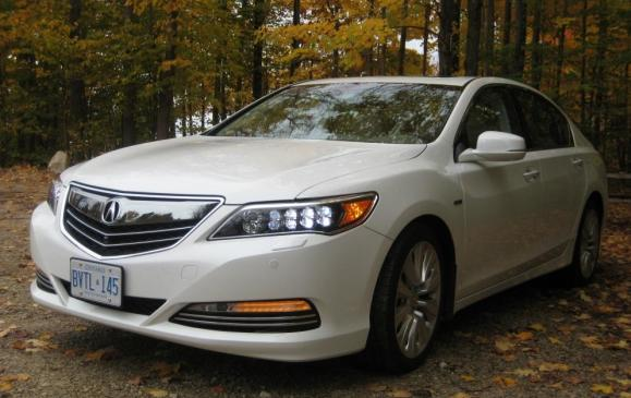 2015 Acura RLX - front 3/4 view low