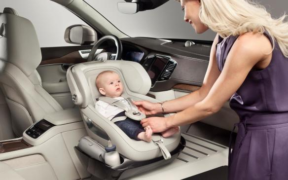 <p><em>The excellence child seat concept has three key benefits – making it easier to get the child into and out of the child seat from an ergonomic and comfort perspective, providing the child with a safe rearward facing seating position that enables it to keep eye-contact with either the driver or the rear passenger and of course including enough storage.</em></p>