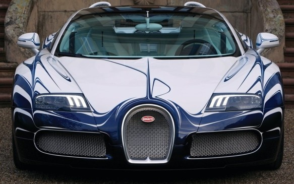 <p>2011 Bugatti Veyron Grand Sport L'Or Blanc</p>