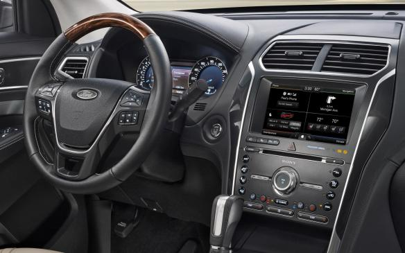 <p>2016 Ford Explorer Platinum cockpit</p>