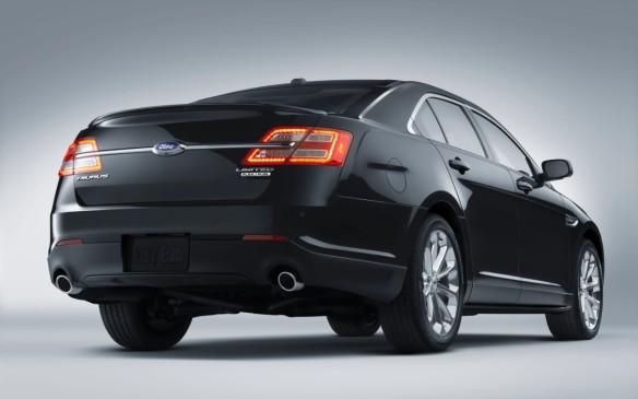 <p>2015 Ford Taurus</p>