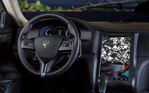 <p>Maserati Quattroporte interior</p>