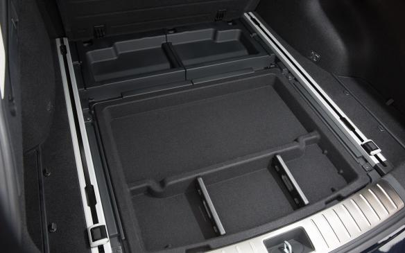 <p>Kia Optima Sportswagon underfloor storage</p>