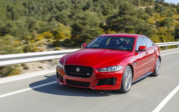 <p><strong>Jaguar XE</strong></p>