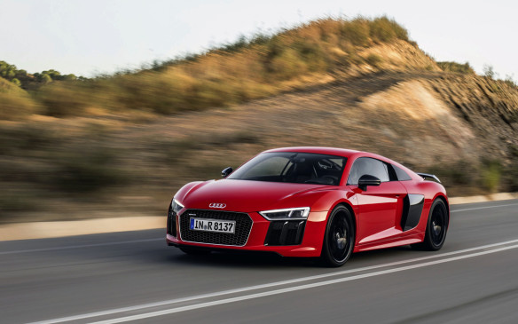 <p><strong>Audi R8 Cupe</strong></p>