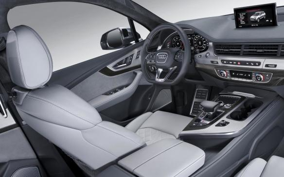 <p>Audi SQ7 interior</p>
