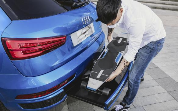 <p>Audi connected mobility concept bumper docking station</p>