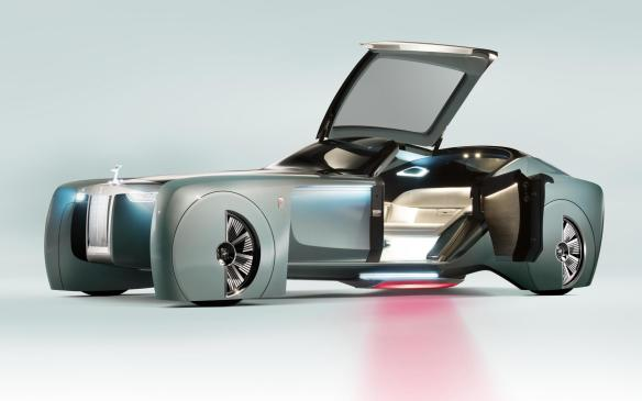 Rolls-Royce VISION NEXT 100 ready for entry
