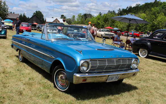 <p>Still in the Ford camp, pre-Mustang, the Falcon was the brand's small car of choice and this pretty '63 convertible shows why.</p>