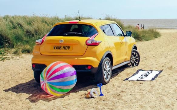 <p>Nissan Juke at the beach</p>