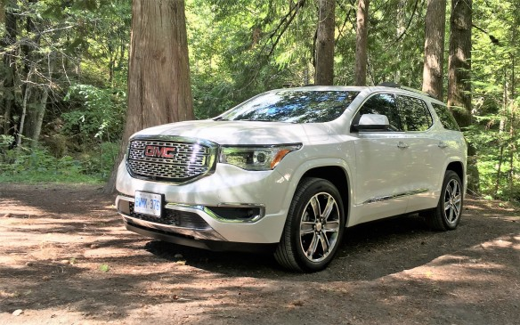 <p>The GMC Acadia holds up to seven passengers with its smaller and lighter frame. It may have dropped a seat from its past iteration, but it improves on driving dynamics, luxury comforts and fuel economy. Two engines are offered: a new 194-hp 2.5-litre four-cylinder and the 310-hp 3.6-litre V-6.</p>