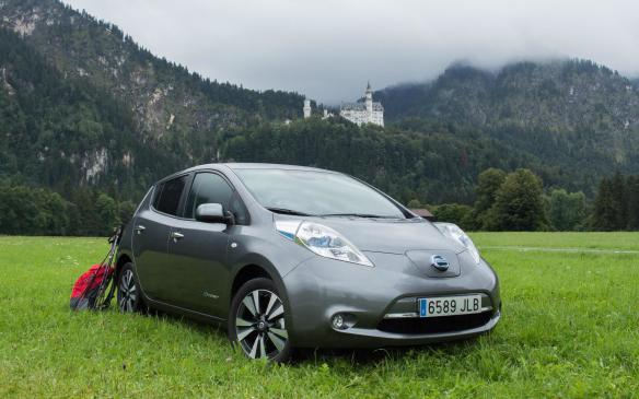 <p>Nissan Leaf at Neuschwanstein Castle</p>