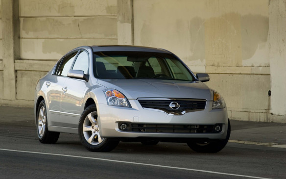 <p>2008 Nissan Altima</p>