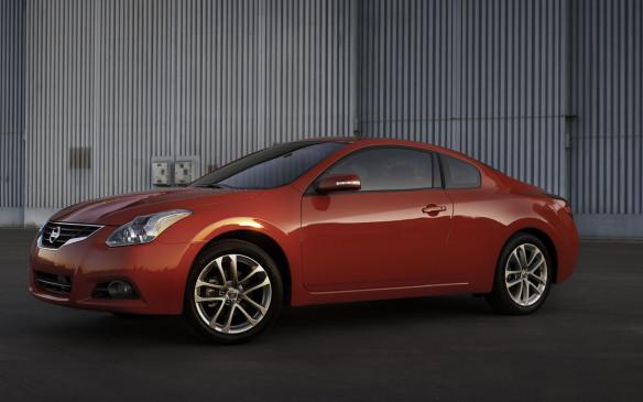 <p>2012 Nissan Altima Coupe</p>