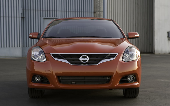 <p>2012 Nissan Altima Coupe</p>