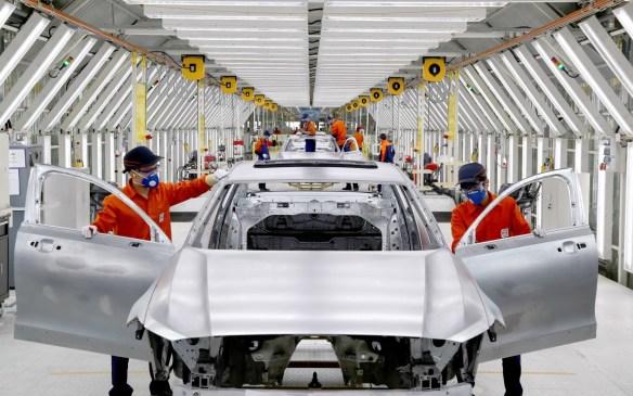 <p>Volvo S90 pre-production - Daqing</p>