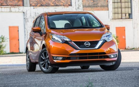 <p>2017 Nissan Versa Note</p>
