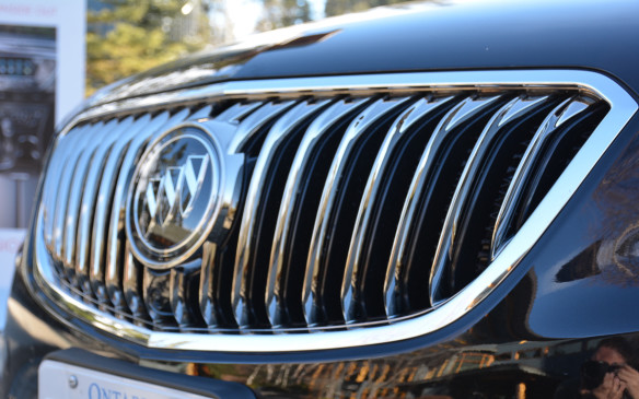 <p>One of the exterior highlights is its bold and powerful grille. Buick's signature waterfall grille is finished in chrome that shines brightly along with its chrome tri-shield. The sharp look gives the Envision a premium feel visually.</p>