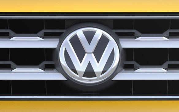 <p>Volkswagen Grille logo</p>