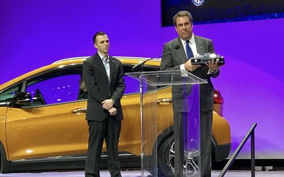 Mark Reuss accepts 2017 NACOTY award for Chevrolet Bolt