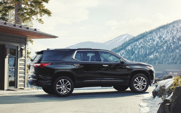 <p>The top-of-the-line 2018 Traverse High Country trim features premium content and technology, including a unique interior trim featuring leather appointments with suede accents, 20-in polished wheels, High Country badging, D-Optic headlamps and standard twin-clutch AWD.</p>