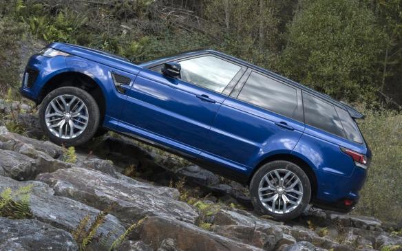 <p>Range Rover Sport SVR rock crawl</p>