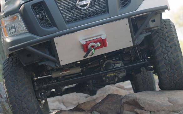 <p>Nissan NV Cargo X front winch</p>
