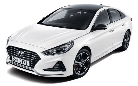 <p>2018 Hyundai Sonata</p>