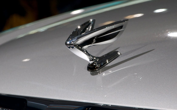 <p>And though hood ornaments slowly faded from desirability around the turn of the century, they are by no means to be regarded as relics of a bygone era. When Hyundai introduced its Equus around the time that hood ornaments were losing favour over safety concerns, it provided the option of replacing the hood badge of a stylized horse's head with a 3D equally-stylized version, though to us it looks more like a modern, highly-stylized take on the winged lady that in many different poses and states of undress graced so many marques in the hood ornament's infancy. (Credit: Wikipedia/Derrick_Noh)</p>