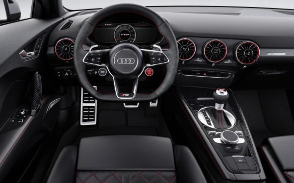 <p>2018 Audi TT RS interior</p>