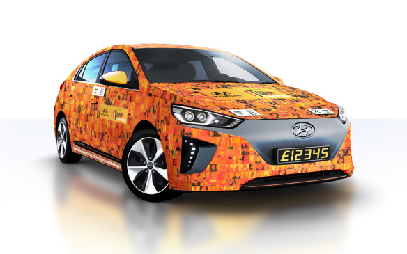 <p>Hyundai Ioniq contactless car</p>
