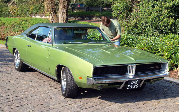 <p>The second-generation Charger was designed to differentiate it from the Coronet, and featured the now classic Coke-bottle profile. It was designed with kick-up spoilers to give it the look of a race car, and also with flying buttresses to mimic a Pontiac GTO. Engine choices ranged from a 318 2-barrel-carb V-8, to a 225 slant-6, to 2- and 4-bbl versions of the 383 V-8. (Credit: Wikipedia/Alfvanbeem)</p>