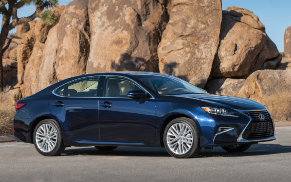 <p>2016 Lexus ES 350</p>
