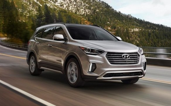 <p>2017 Hyundai Santa Fe</p>
