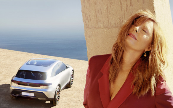 <p>Susan Sarandon and the Mercedes-Benz Concept EQ</p>