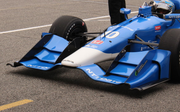 <p>The difference in the Honda wing is apparent here.</p>