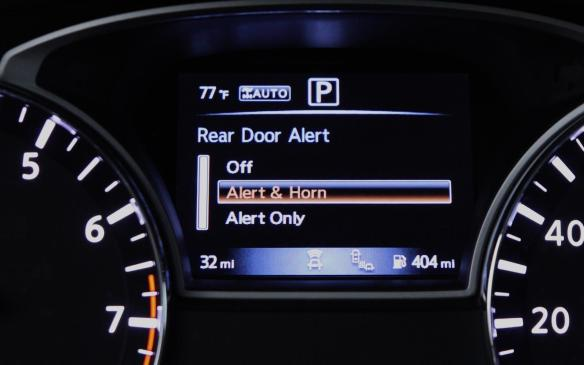 <p>2018 Nissan Pathfinder Rear Door Alert message</p>