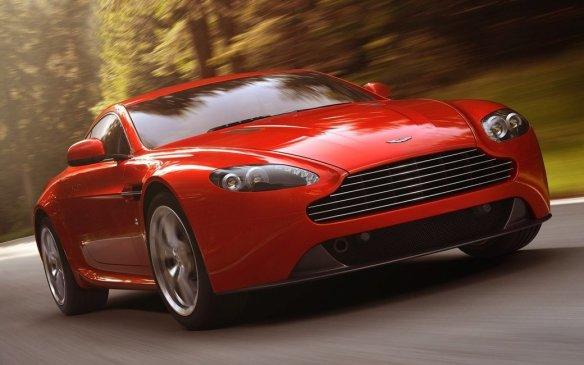 <p>2012 Aston Martin V8 Vantage</p>