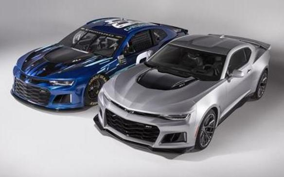 <p>Chevrolet Camaro ZL1 Race Car and ZL1production car</p>