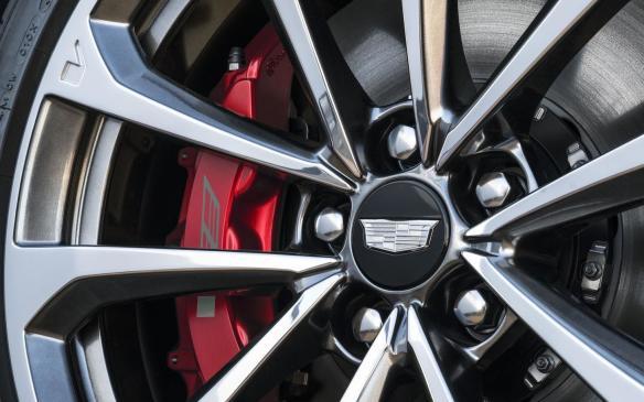 <p>2018 Cadillac CTS-V Glacier Metallic Edition wheel</p>