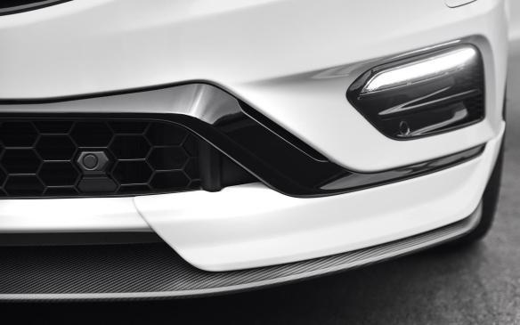 <p>2018 Polestar S60 front splitter</p>