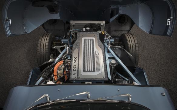 <p>Jaguar E-type Zero motor</p>