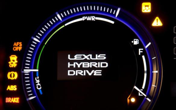 <p>2010 Lexus HS 250h info gauge</p>