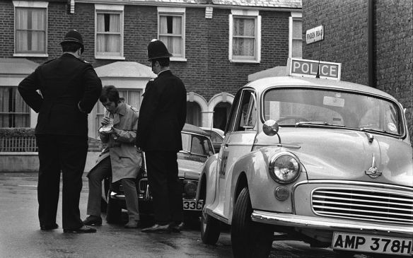 1967 Police officers administer Breathalyser