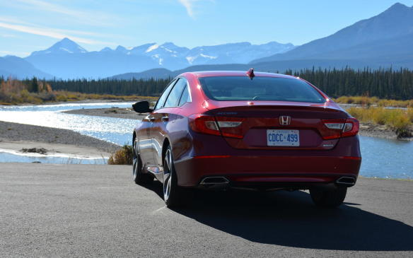 <p>At the LX base trim, the Accord weighs in at an impressive 1,408 kg for the manual version and only 1,433 kg for the CVT. In comparison, the Sonata is at 1,474; while the Camry sits at 1,495.</p>