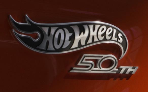 <p>2018 Chevrolet Camaro Hot Wheels badge</p>