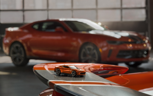 <p>2018 Chevrolet Camaro Hot Wheels and toy</p>