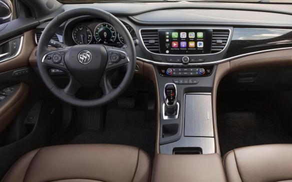 <p>2018 Buick LaCrosse Avenir interior</p>