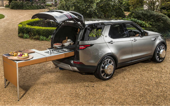 <p>2017 Land Rover Jaime Oliver Discovery</p>